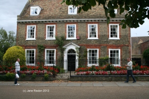 house just outside the Cathedral grounds (c) Jane Risdon 2013