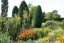 Gardens at Sissinghurst (c) Jane Risdon 2015