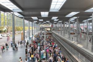 railway-station-1645358_1280