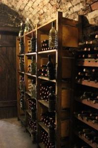 wine-cellar-573831